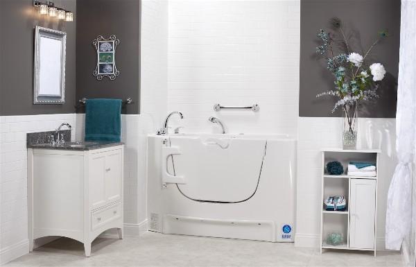 Rane rb14 mediterranean bariatric side entry bathtub for Bariatric bathroom design